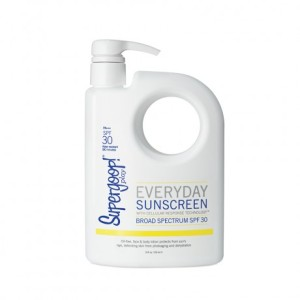 supergoop_everydayspf30_endlesssummerpump_new_900x900