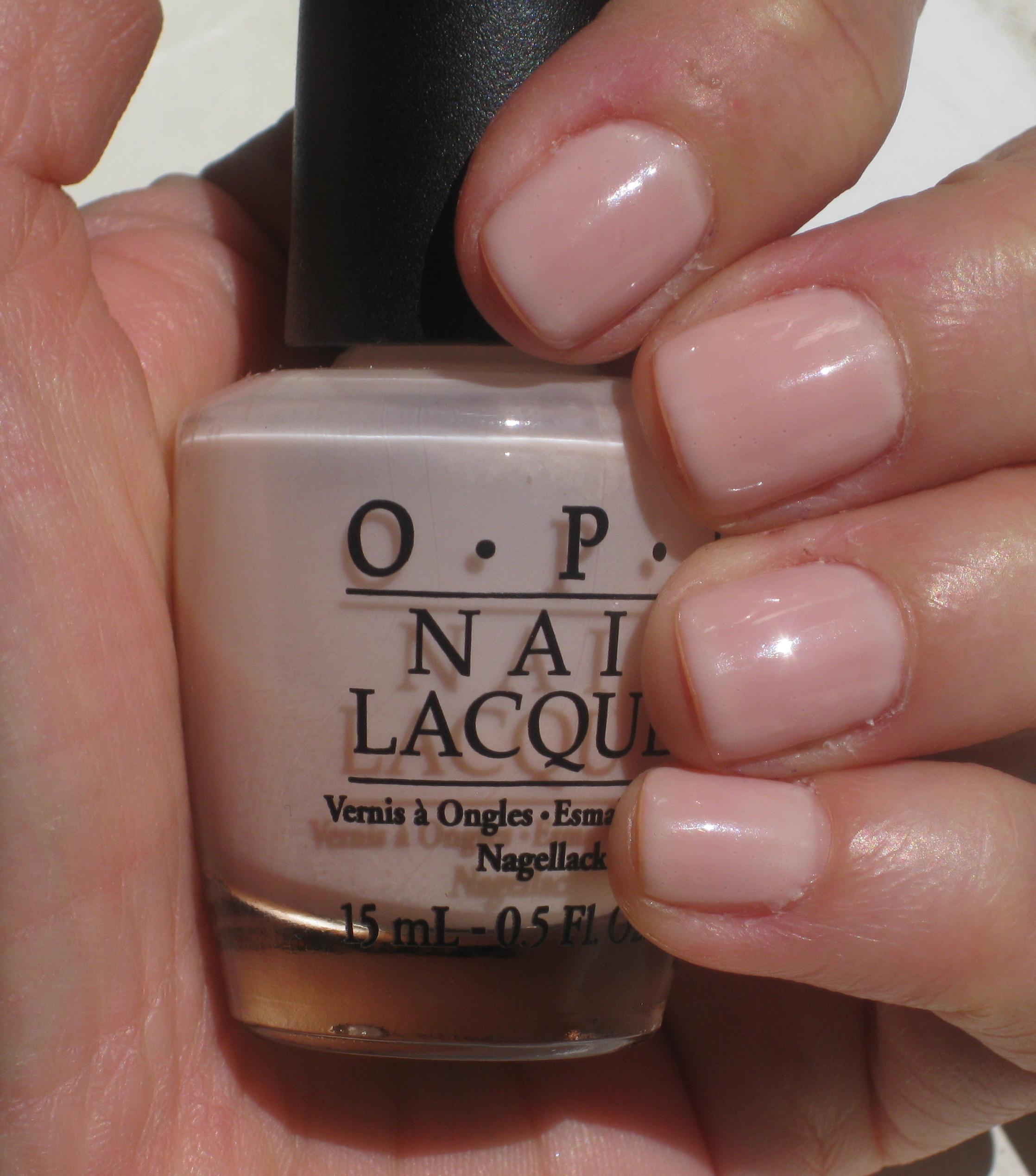 Neutral Summer nail polish | Glitter & Grills